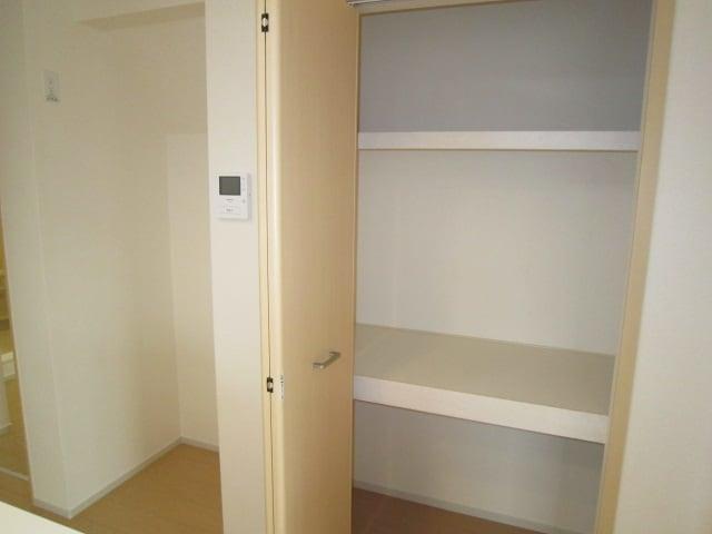 ミッテ・クラール Ⅰ 01010号室の収納