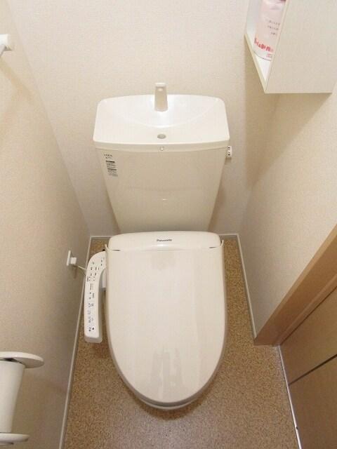 ミッテ・クラール Ⅰ 01010号室のトイレ
