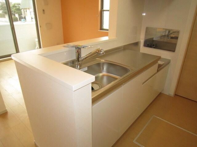 ミッテ・クラール Ⅰ 01010号室のキッチン