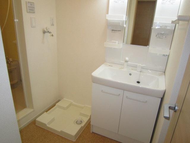 ミッテ・クラール Ⅰ 01010号室の洗面所