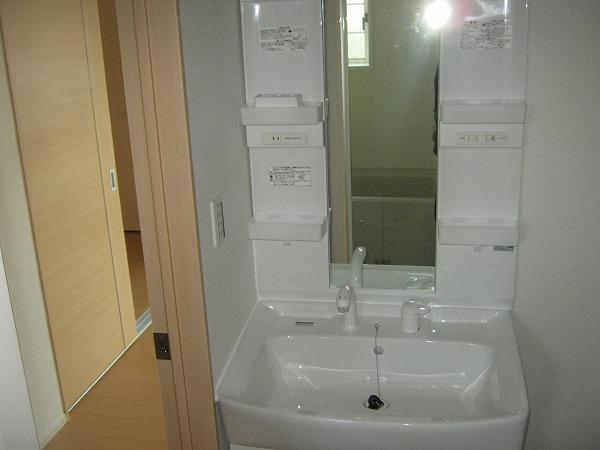 ヴィラ上重原 02010号室の洗面所