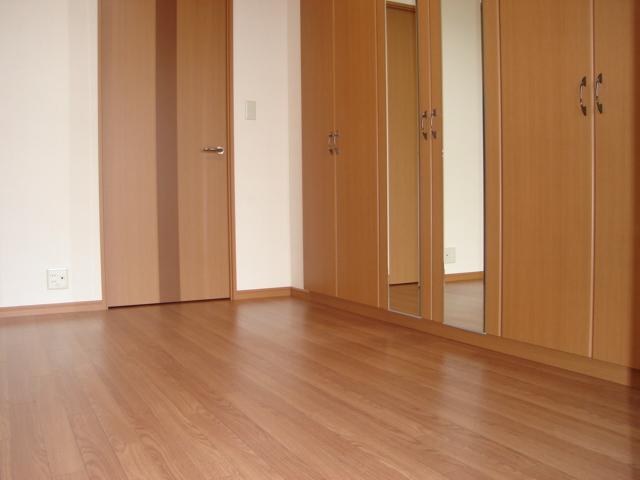 サニープレイス.F 201号室のベッドルーム