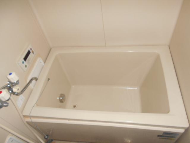 タウニー大縄場 202号室の風呂
