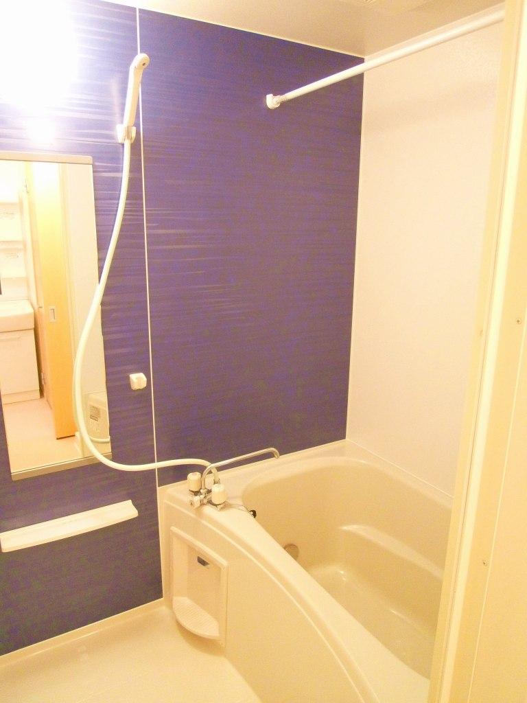 ルーエ・S 01010号室の風呂