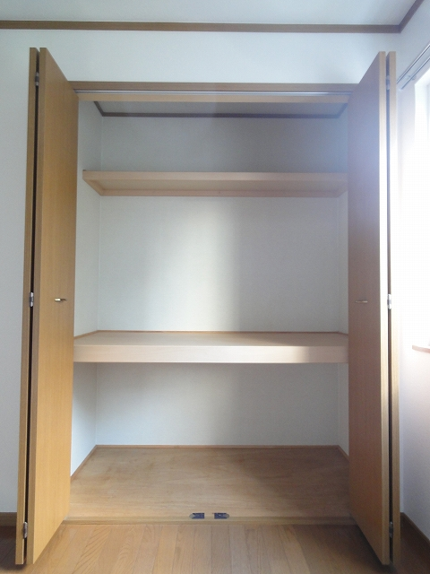 フジハイムⅡ 01010号室の収納