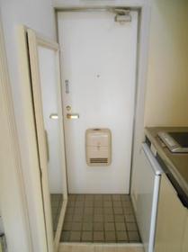 ジュネパレス津田沼A-2 0201号室の玄関