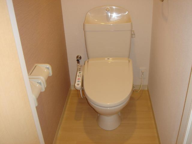 eden 201号室のトイレ