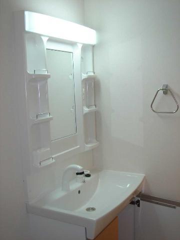 eden 201号室の洗面所