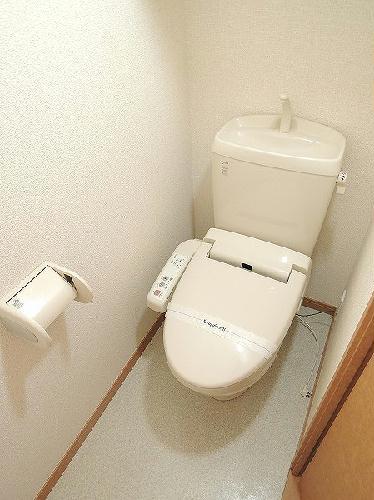 レオパレスマルミヤ 104号室のトイレ