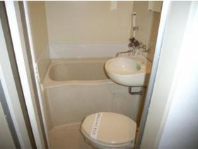 ハイム六会 0102号室の風呂