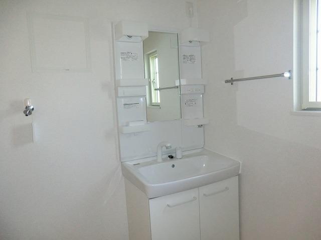シャンゼリゼ B 02010号室の洗面所