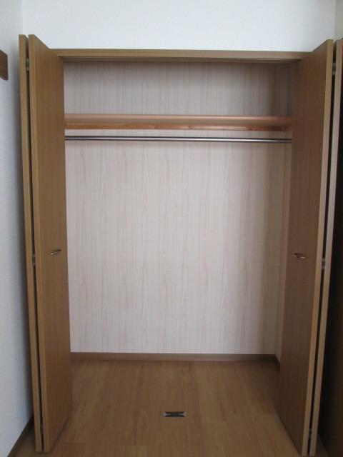 チェリーブロッサム 01010号室の玄関