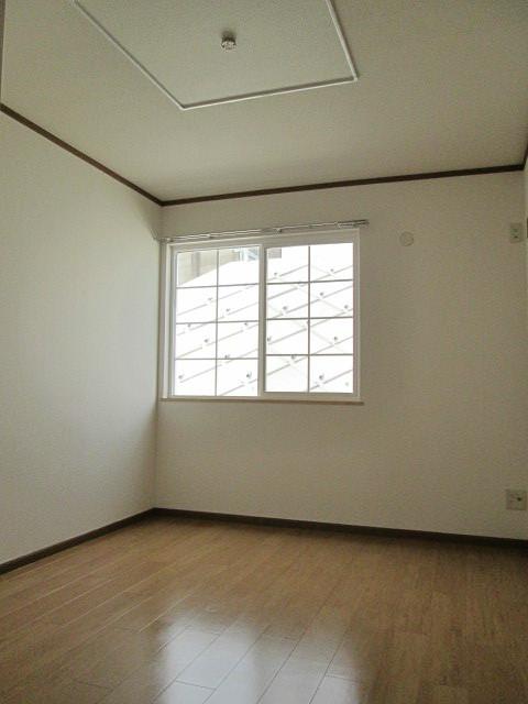 チェリーブロッサム 01010号室の収納