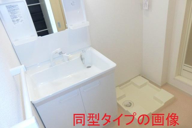 バーミィ Ⅲ 01030号室の洗面所