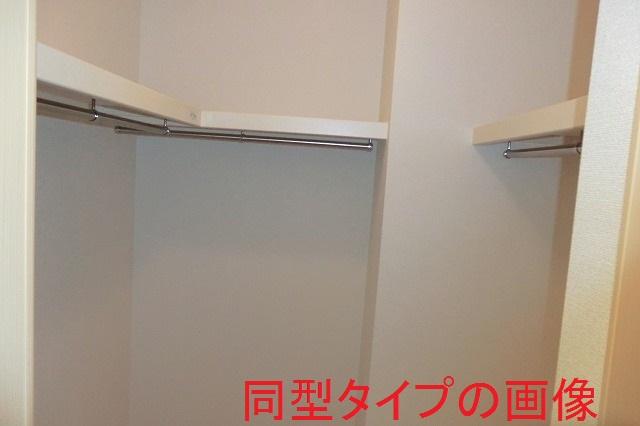 バーミィ Ⅲ 01030号室の収納