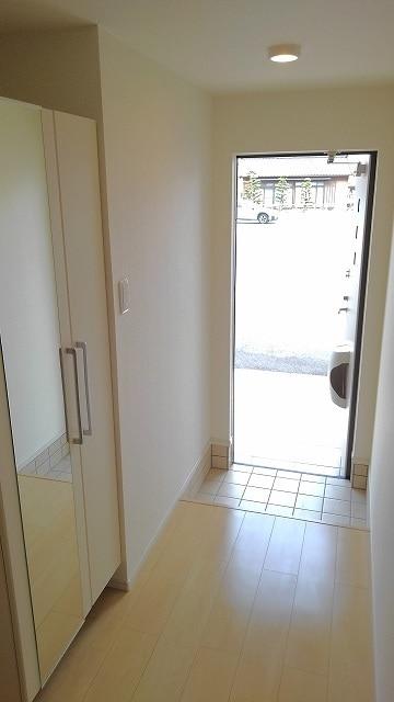 アンセム 01020号室の玄関