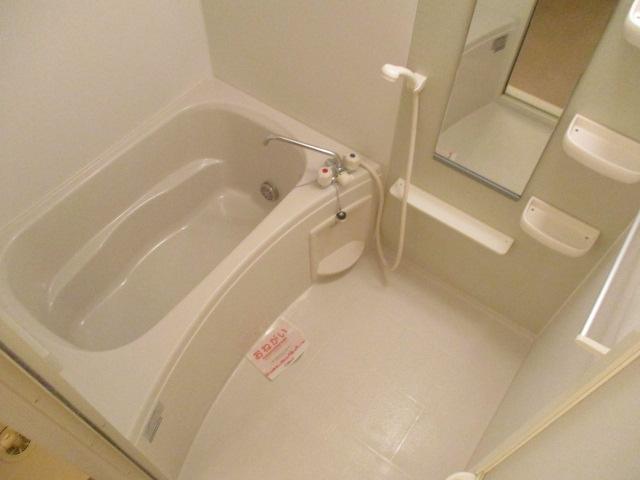 ペルペートⅢ 01020号室の風呂