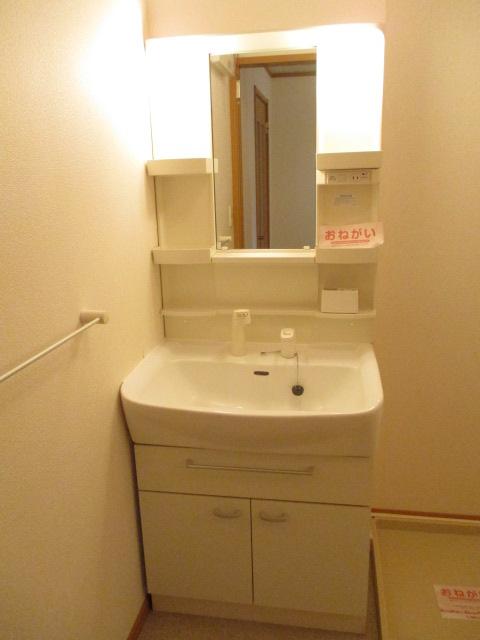 ペルペートⅢ 01020号室の洗面所
