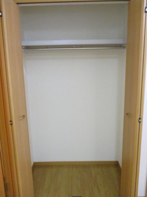 ペルペートⅢ 01020号室の収納