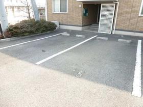 ウィル・ボナール A 102号室の駐車場