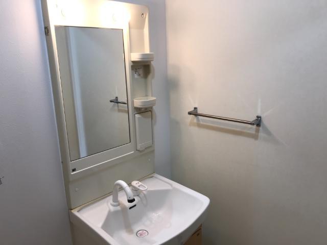 レジデンスヒルズカコⅠ 103号室の収納