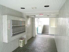 ハイタウン大倉山No.1 303号室のエントランス