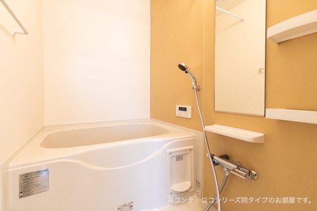 ベル ブリーズ イースト 01030号室の風呂