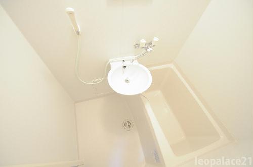 レオパレスbloomⅤ 204号室の風呂