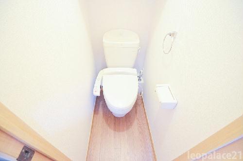 レオパレスbloomⅤ 204号室のトイレ