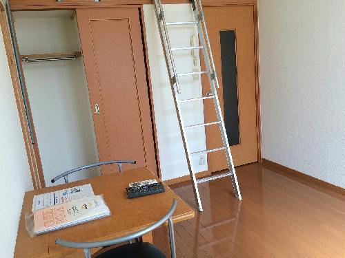 レオパレス昭徳Ⅱ 107号室のリビング