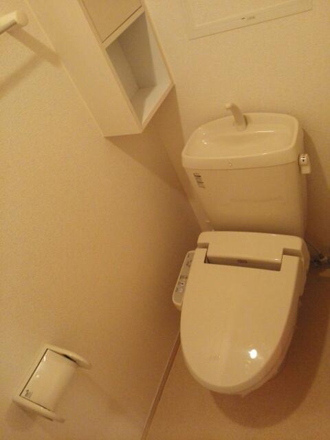 ラヴィアンローズ北斗 02040号室のトイレ