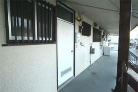 川延荘 202号室のエントランス