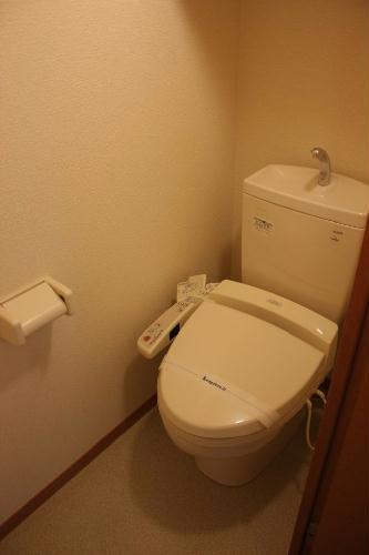 レオパレス芦田スマイルⅡ 101号室のトイレ