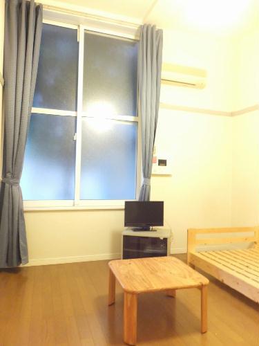 レオパレスたちばな 102号室のリビング
