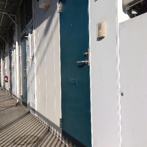 レオパレスたちばな 102号室の玄関