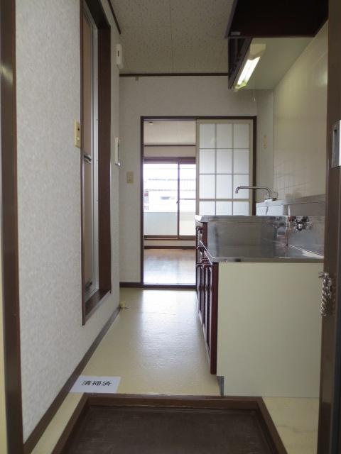 グランデュール本川越 205号室の玄関