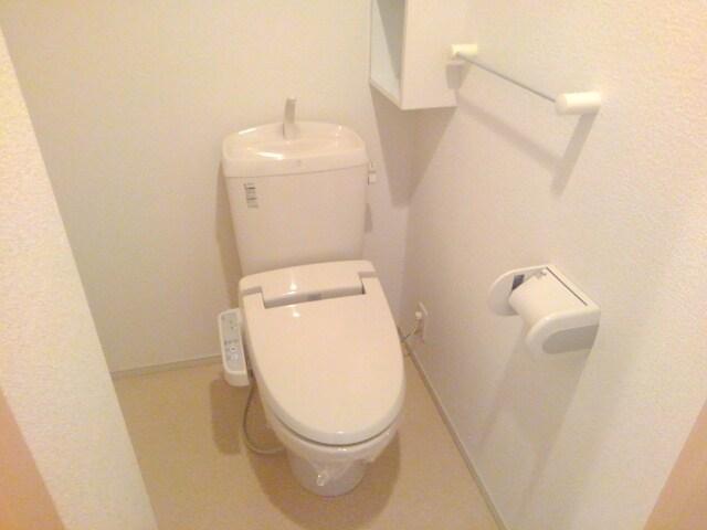 プラシード・E 01030号室のトイレ