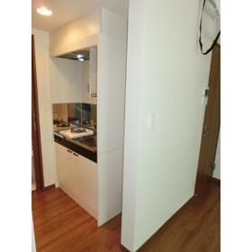 アンビション鶴見 0104号室のキッチン