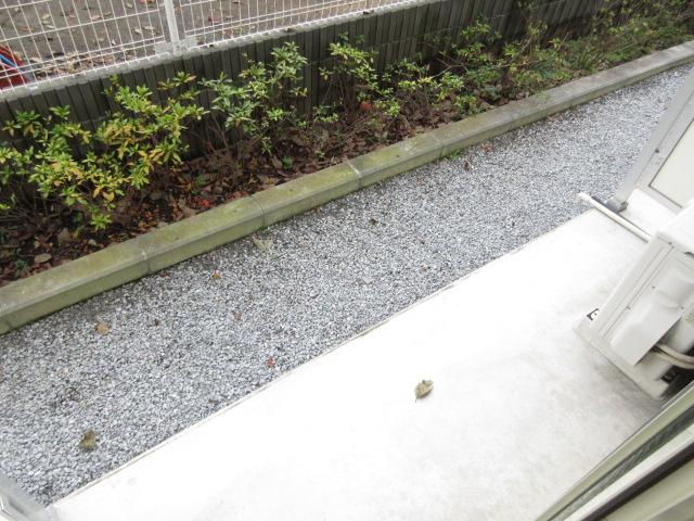 リブリ・キクエイ 102号室の庭