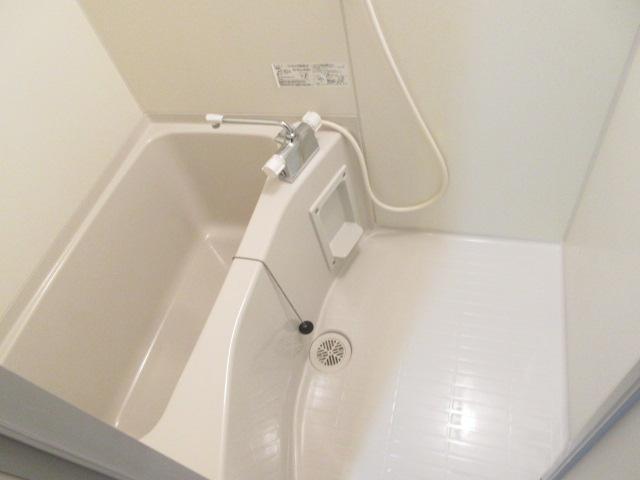 リブリ・キクエイ 102号室の風呂