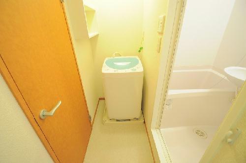 レオパレスもろのき 107号室の洗面所