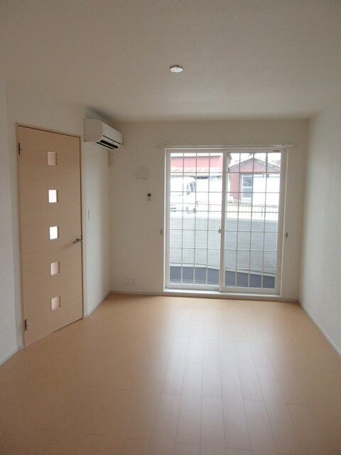 サニーハウス 01010号室のバルコニー