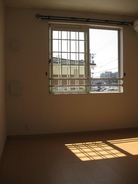サニーハウス 01010号室のリビング
