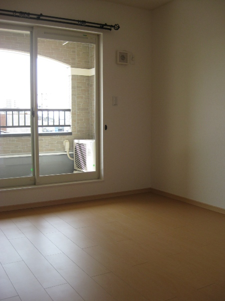 サニーハウス 01010号室の収納