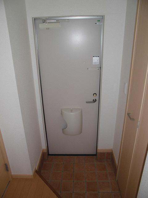 ソル レヴェンテ 01010号室の玄関