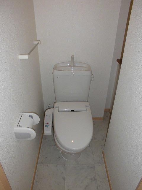 ソル レヴェンテ 01010号室のトイレ