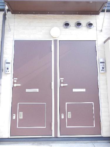 レオパレスツェーントル三好 103号室の玄関