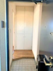 ノースヒルズA 205号室の玄関