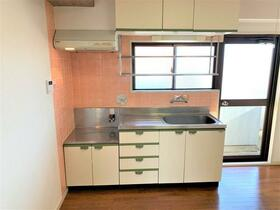ノースヒルズA 205号室のキッチン