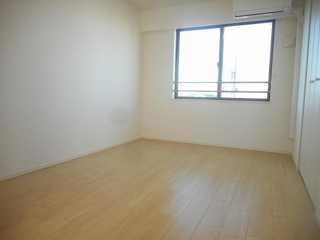BLESS小平 B 03040号室の居室